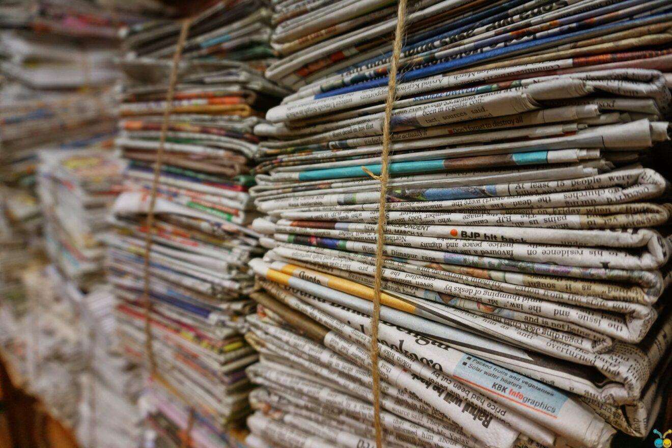 Verzamelen van oud papier.